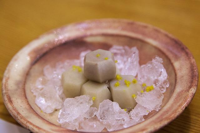 沖縄の石川里芋の白煮