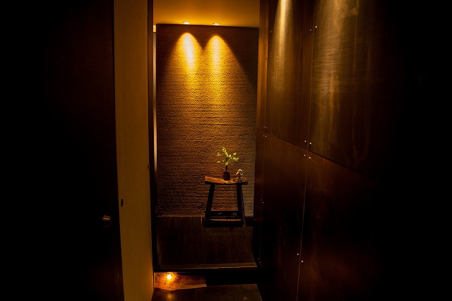 エレベータの扉が開くと、そこはバリだった!