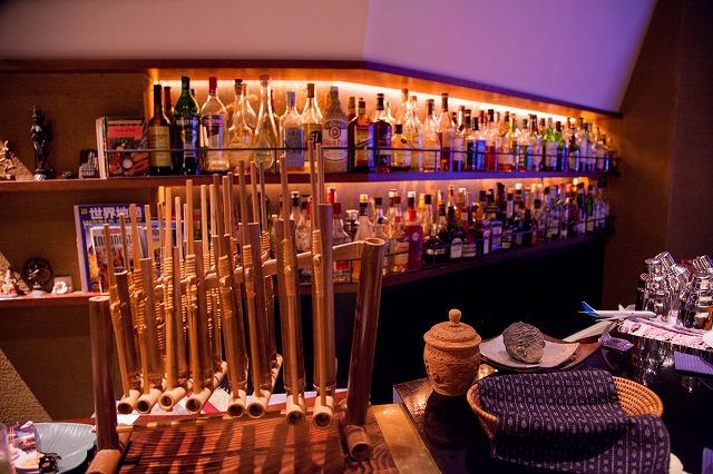 アジアは勿論、世界各国のお酒が並んでいます。