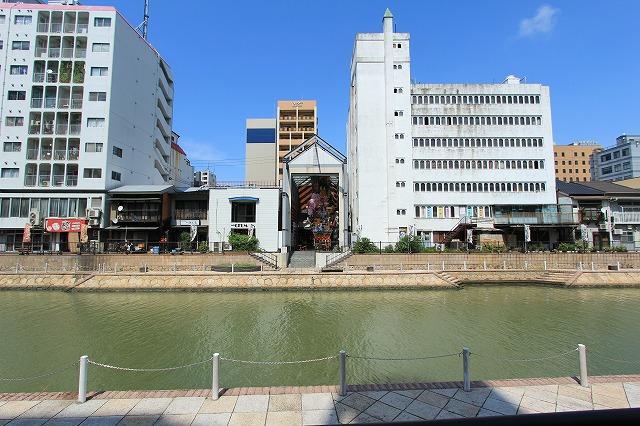 博多川沿岸(川端ぜんざい広場付近)