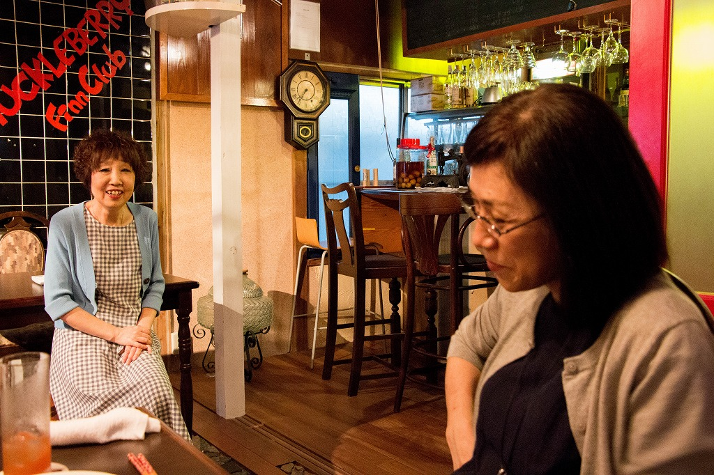 左側ママさん 右側ゲストの槇さん